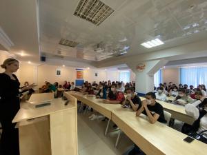 Встреча карьерного менеджера Высшей школы управления со студентами 1 курса