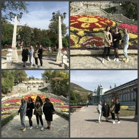 Студенты ИИЯМТ нового направления подготовки Сервис («Экспертиза и оценка недвижимости») на прогулке по Пятигорскому парку